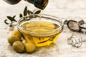 huile pour faire pousser les cils